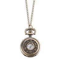 montres couleur cool achat en gros de-Montre de poche vintage couleur bronze montre à quartz chaîne cool montres à fleurs creuses @ 88