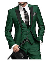 veste verte de mariage achat en gros de-La dernière conception 2018 hommes costume vert Slim classique marié robe de mariée mariage Italie personnalisé 3 pièces veste veste pantalon