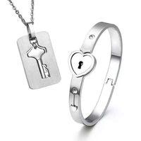 miao silberne armbänder großhandel-2 stücke Set Neue Edelstahl Silber Liebe Herz Verschluss Armreif Passende Schlüsselanhänger Anhänger Halskette Paar Set