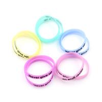 светящиеся резиновые браслеты оптовых-2Pcs Glow In Dark Silicone Rubber Sport Elasticity Wristband Cuff Bracelet
