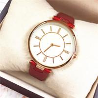 assistir livre luzes vermelhas venda por atacado-Vermelho / preto moda mulher relógios pulseira de couro jóias de luxo Lady relógio de Quartzo diamante ultra-luz Presentes Acessórios frete grátis