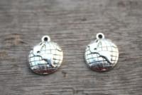 земля прелести серебряные оптовых-20 шт. / лот -- Глобус подвески, античный Тибетский серебряный прекрасный мини глобус Шарм подвески, Земля подвески 15x18 мм