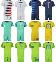 kits de futebol verde amarelo venda por atacado-Goleiro de Futebol Jersey GK 1 Tim Howard Bill Hamid Zack Steffen Esperança Solo ESTÁDIO Branco Azul Marinho Verde Amarelo Camisa de Futebol Kits Shorts