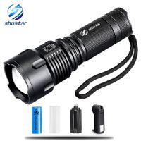 lanternas led aa venda por atacado-Poderoso Tactical LED Lanterna T6 10000 Lumens Zoomable Tocha À Prova D 'Água para 26650 Recarregável ou AA Bateria