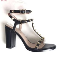 Wholesale High End Women Shoes - Women's leather sandals fashionable new high-end luxury brand banquet dress shoes rivet decoration comfortable women's shoes.