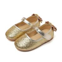 zapatos de lazo rosa para niños al por mayor-Los niños ocasionales del zapato de las muchachas de la piel brillante de la PU zapatos de la princesa de la muchacha Bow Dance Shoes Gold Silver Pink Kids School School Skate Shoes # 010