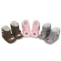 botines del bebé del ganchillo al por mayor-Crochet Knit Baby Zapatos para bebés Winer Keep Warm Booties Unisex Soft Sole Zapatos para bebés Faux Fleece Leather Toddler Moccasins