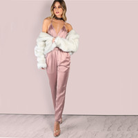 lässiger eleganter overall großhandel-Regelmäßige Colrovie Dusty Pink Satin Slip Jumpsuit Sexy Kreuz Low Back Frauen Sommer Overalls New Ruffle Strap Casual Elegant Jumpsuit