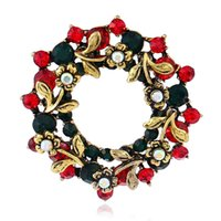 Wholesale Retro Christmas Wreath Crystal Brooches Pins for Children Vintage Breastpin Round Rhinestone Badge European US Style Lapel Pin