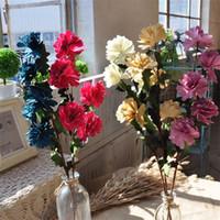 buquê de flores de cravo venda por atacado-Cravo Daisies Simulação Flor Cerimônia De Casamento Mão Amarrada Bouquet Decorar Decorar Falso Flores Artificiais Fontes Do Partido 2 25al bb