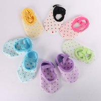 zapatillas de bebé calcetines al por mayor-Baby Infants Snowflake Slipper Socks antideslizante cuna zapatos niños tobillo calcetines 6 color para 0-3Y