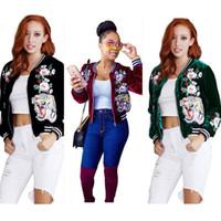 abrigo de la chaqueta de las mujeres de la flor al por mayor-Abrigos de diseñador de las mujeres abrigos de béisbol cortos del bordado de la flor del tigre del terciopelo de la manera abrigos de la manera