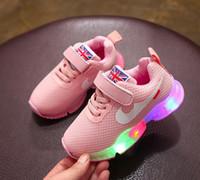 kızlar renkli spor ayakkabıları toptan satış-Yeni çocuk Ayakkabıları Spor LED renkli aydınlatma sneakers çalışan Bahar Sonbahar çocuk Işık ayakkabı Okul kız erkek çocuk ayakkabıları