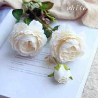 rosa rosa flores artificiales al por mayor-Rosa flores artificiales 3 cabezas rosa flores de seda blanca rojo rosa azul flor falsa decoración de la boda para el hogar ramo de rosas
