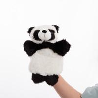 детский рассказ мультфильм оптовых-1 шт. дети мультфильм черный белый Панда руки марионетка дети забавный творческий животных мягкие плюшевые куклы детские сказки мягкие игрушки