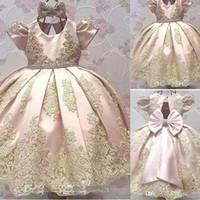 robes de 12 ans achat en gros de-2018 date manches courtes fille de fleur robes grand arc enfant en bas âge bijou or appliques enfants communion robe fête d'anniversaire défilé de robe BA9989