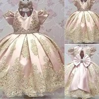 Wholesale white big flowers for sale - Group buy 2018 Newest Short Sleeves Flower Girl Dresses Big Bow Toddler Jewel Gold Applique Kids Communion Dress Birthday Party Pageant Gown BA9989