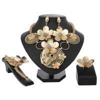 grande colar de bijuterias de ouro venda por atacado-New Italy Moda Traje Jóias Mulheres Africanas Grande Colar Pulseira Anéis Brincos Set Dubai aço Ouro Platin Conjuntos de Jóias
