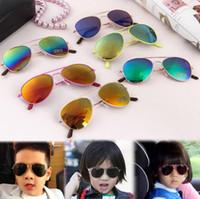 çocuklar güneş gözlüğü uv toptan satış-2018 Yeni Çocuk Güneş Gözlüğü Çocuklar Plaj Malzemeleri UV Koruyucu Gözlük Kız Erkek Şemsiye Gözlük Moda Aksesuarları