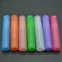 vermischen sie parfums großhandel-Mix farben 100 teile / los 5 ml Multicolor Transluzenz Kunststoff Zerstäuber Flasche Reise Make-Up Parfüm Spray Mehrwegflasche