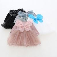 kleidung schmetterling designs großhandel-Mädchenkleidkleid Frühling 100% Baumwolle Oansatz Langhülse Schmetterlings-Flügel-Maschen-Patchworkentwurfs-Mädchenkleid bequem.
