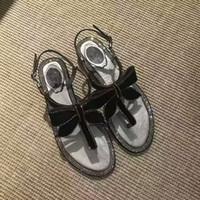 sapatos de design de borboleta venda por atacado-Flip Flop Mulheres Sandálias De Cristal Embelezado Borboleta Nó Decoração Mulheres Sapatos de Verão Glitter Projeto Fivela Flats Sweet Girl Shoes