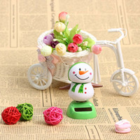 1 Pcs Cute Solar Powered Dancing Swinging Bobble Doll Toy Car Christmas Home Decoration Car Accessories
