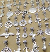takılar kolye diy mix toptan satış-Karışık Antik Gümüş Bilezik Boncuk Tibet Antik Gümüş Dangle Charms Toplu, Vintage DIY Alaşım Kolye Takı Aksesuarları