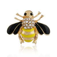 damla broş toptan satış-Arı Broş Sarı Yaratıcılık Retro 3D Damlama Yağ Hayvan Pins Rhinestone Alaşım Parti Güzel Emniyet Broş