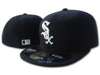 chapeau plat achat en gros de-Chapeau équipé de vente chaude hommes sur le terrain White Sox Top Quality flat Brim brodé Lettre SOX équipe logo fans baseball Chapeaux complet fermé Chapeu
