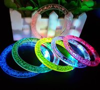 glühender kristall führte großhandel-HOT Acryl Glitter Glow Flash Light Sticks LED Kristall Farbverlauf Hand Ring Armband Armreif Kreativität Dance Party Supplies Spielzeug A698