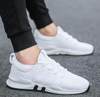 chaussures coréennes achat en gros de-VENTE CHAUDE chaussures de sport respirante chaussures de course pour hommes été maille chaussures casual version coréenne antidérapante de la tendance du déodorant A37