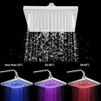 квадратные огни для душа оптовых-8 Inch Square Rain Shower Head LED Light 3 Color Changing Bathroom Sprinkler LED Square Rainfall Wall Ceiling Mount Shower Head