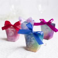 ingrosso carta da cerimonia nuziale in vendita-Starry Sky Candy Box Wedding Souvenir Triangolo di carta da imballaggio regalo Wrap Bag Mini creativo Trapezoidale vendita calda 0 5mh V