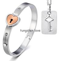 гипоаллергенное ожерелье оптовых-New Lovers Stainless Steel Heart Lock Love Bangle Bracelet with Key Tag Pendant Necklace Couples Jewelry Sets, Hypoallergenic