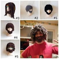 erkekler için sakallı şapkalar toptan satış-Cadılar bayramı Noel Cosplay Sakal Peruk Kap Erkekler Komik Peruk Şapka Eğilim El Yapımı Sıcak Kış Örgü Kasketleri Parti Maskesi Şapka GGA1049