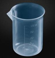 herramientas de medición de líquidos al por mayor-Taza de medición taza de medición plástica clara del vaso graduado de 100mL para la herramienta de la medida del líquido de la hornada de la cocina del laboratorio