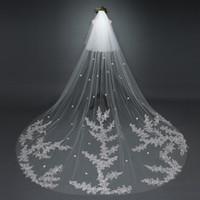 3m veil cetim venda por atacado-3 M Lindo Véus De Noiva 2 camadas custom made 5 m 7 m apliques catedral comprimento cetim flores véus de noiva