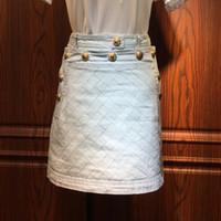 falda enagua naranja al por mayor-ALTA CALIDAD El más nuevo Fashion Runway Baroque Designer Skirt Metal Lion Buttons Embellished Denim Mini Skirt envío gratis