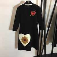 ingrosso maniche lunghe del vestito dal sequin nero-Designer 2018 Nero O Collo 3/4 Maniche lunghe Abito femminile High End Hearts di paillettes Milan Runway Gown 82789