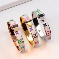 pulsera de letras cuadradas al por mayor-Nueva calidad superior de acero inoxidable amor pulsera brazalete de diseño V letra punk moda brazalete