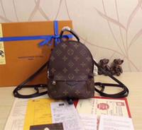 sacs à dos rose clair achat en gros de-Designer Sac à dos Sacs de luxe Mini Backpack Femmes Filles Versatile Mode Casual Résine En Cuir Café Célèbre Marque Motif Sac À Dos