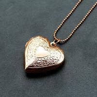 kalpler fotoğraf çerçevesi toptan satış-Yaratıcı Parlak Kalpler Yüzer Locket Açık Ve Yakın Kadınlar Fotoğraf Çerçevesi Bellek Kolye Kolye Vintage Aşk Şekil Lockets Takı