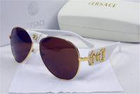 óculos de sol cruzados venda por atacado-Homens e Europa e A Fêmea 18076 Transfronteiriça Fornecer Óculos De Sol Em Óculos de Sol Conjugados Cor Óculos De Sol Da Moda Óculos