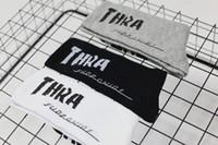 chaussettes blanches achat en gros de-Ins Harajuku Hip-Hop Letter Socks Chaussettes de skateboard Bas en coton Sport Preppy Style Casual Noir Blanc Gris Chaussettes classiques