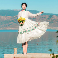 Wholesale fairy dresses for girls - New Chinese Style Women White Fairy Dress Embroidery Floral Retro Vintage Long Sleeve Beach Dress For Lady Mori Girl Vestidos