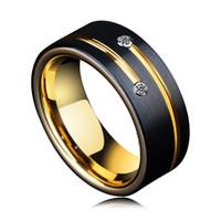 erkekler için altın taş yüzük tasarımları toptan satış-Toptan 8mm Erkek CZ Taş Alyans Tasarımları Altın Groove ile Erkekler için Siyah Tungsten Yüzükler
