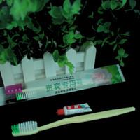 гостиничная зубная паста оптовых-Зубная щетка перемещения гостиницы с зубной пастой-средней трудной щеткой