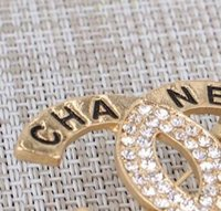Wholesale state clothing - Europe and the United States alloy diamond English letter brooch ladies personalized bridal party clothing fashion accessories