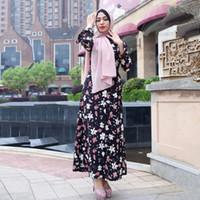 ingrosso abiti islamici bianchi neri-Abito maxi islamico a maniche lunghe nero con stampa floreale moderna bianca nera
